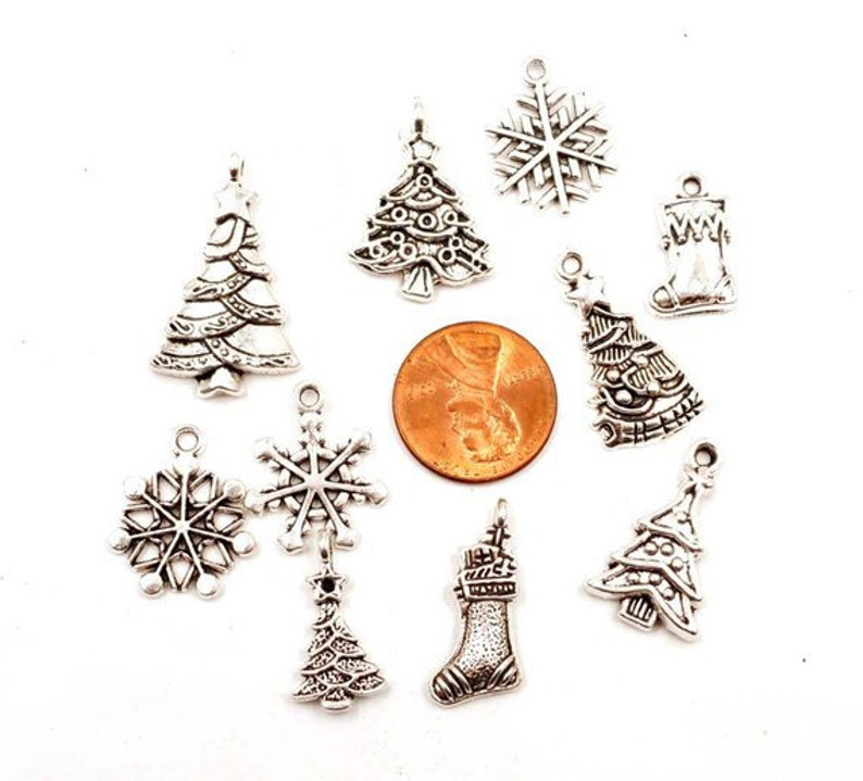 10 Assorted Antique Silver Christmas Themed Charms 23-4