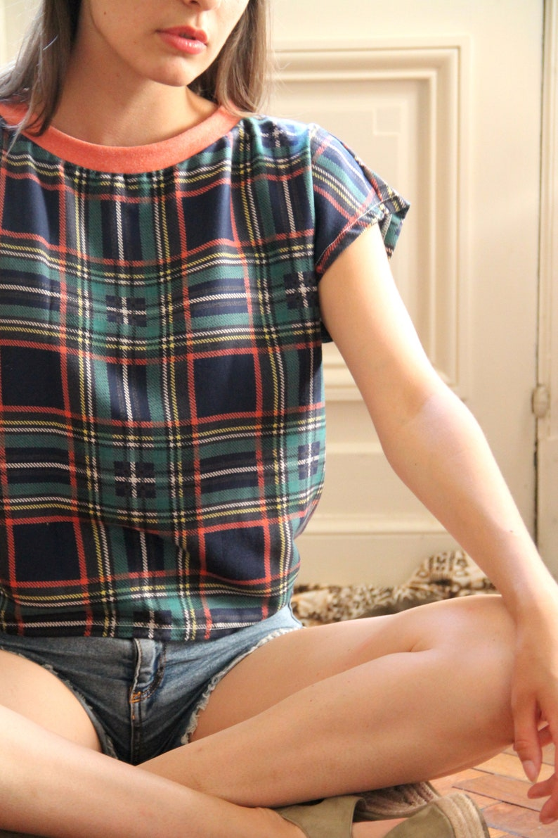 blue and green plaid printed cropped top