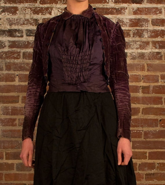 Antique Victorian bodice, purple velvet