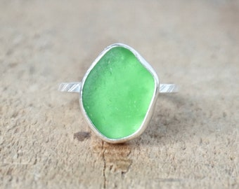 Kelly Green Sea Glass Stacking Ring, Size 6 1/2