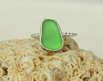 Kelly Green Sea Glass Stacking Ring, Size 7 1/2