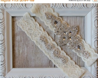 ON SALE Wedding Garter set for wedding or prom, bridal garter can be monogrammed, no slip garter, bridal lingerie. Monogrammed garter see de
