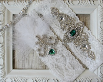"Wedding garter - Vintage Garter Set w/ ""Emeralds"" and Rhinestones on Comfortable Lace, Christmas Wedding Garter Set, Wedding gift"