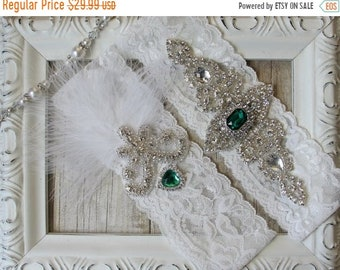 "ON SALE Wedding garter - Vintage Garter Set w/ ""Emeralds"" and Rhinestones on Comfortable Lace, Christmas Wedding Garter Set, Wedding gift"