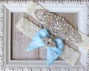 No slip garter. Wedding Garter Set, Bridal Garter Set, Vintage Wedding, Monogrammed garter, Something Blue - Style A, Bridal Shower gift