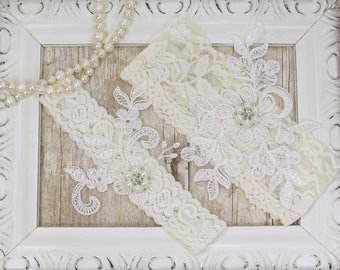 Wedding Garter Light Ivory Pearl Beaded Set, WhiteLace Garter Set, Toss Garter, Keepsake Garter, Bridesmaid Gift, Prom, Wedding Gift