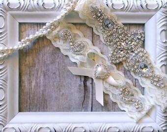 Wedding Garter, Custom Bridal Garter Set, Vintage Garter for weddings or prom. Available in several colors. Monogrammed garter.