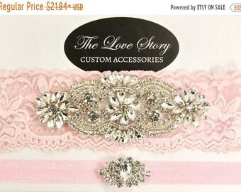 ON SALE No slip garters for wedding. Wedding garter set available in several colors. Bridal garter for wedding or prom. Valentine garter set