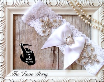 Wedding garter. Customizable vintage garter belt available in several sizes and colors. Personalize your garter for weddings or prom.