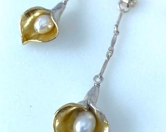 Calla lily Two-tone dangle earring