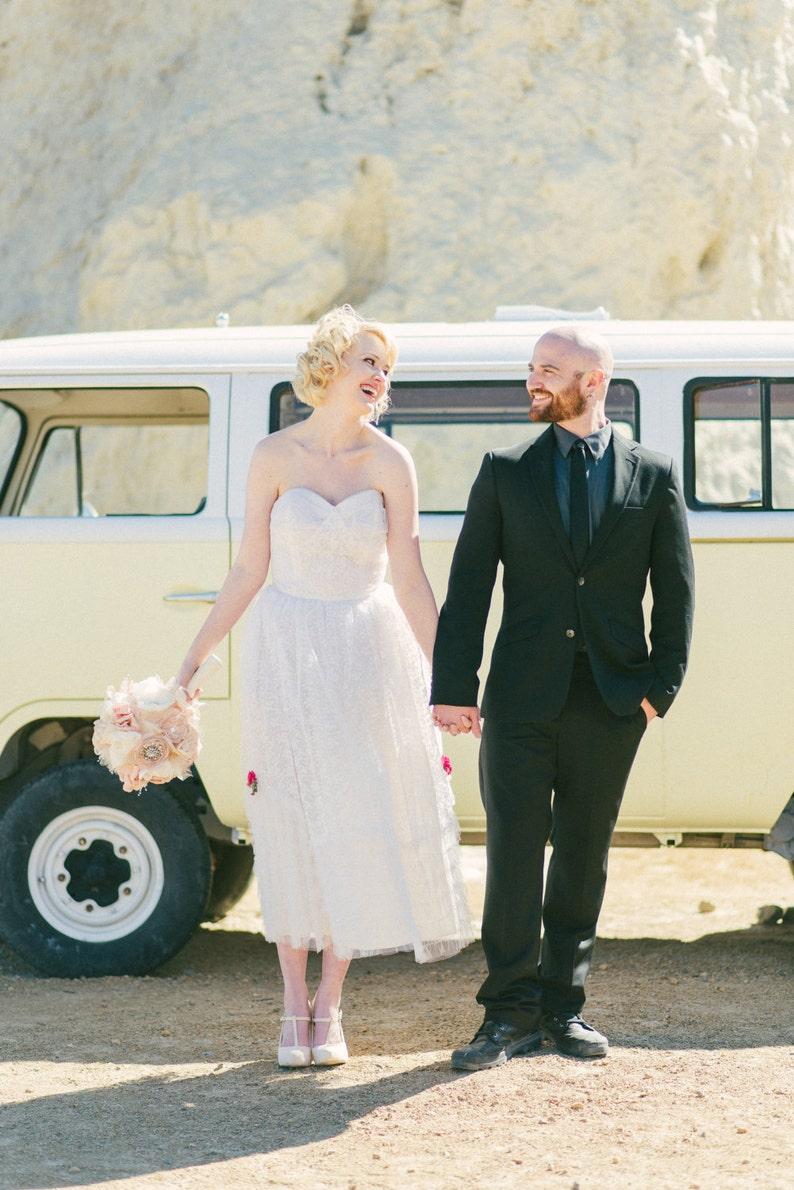 Like New White Lace 195060 WeddingBridal Dress Rockabilly Coronation wlace shawl