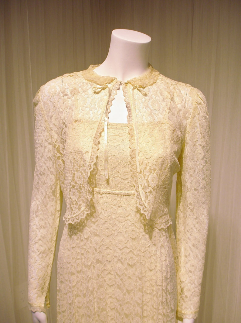 916f41d677b Sweet Vintage Ivory All Lace Wedding Maxi Dress with Matching