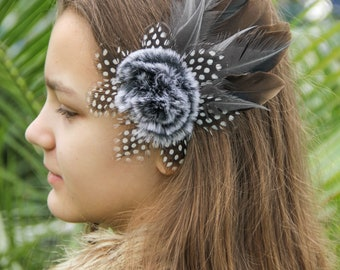 Gray Feather Hair Clip Gray Witch Hair Jewelry Wedding Feather Hair Fascinator Feather Hair Clip in Goth style