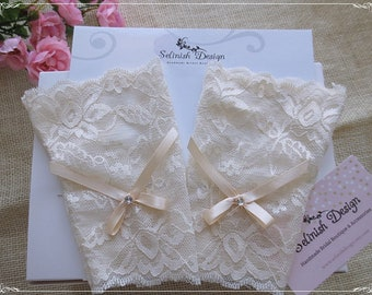 Ivory Lace Bridal Gloves, Fingerless Gloves, Wedding Cuffs, Bridal Accessories, Bridal Wrist Gloves- Cf185ivory