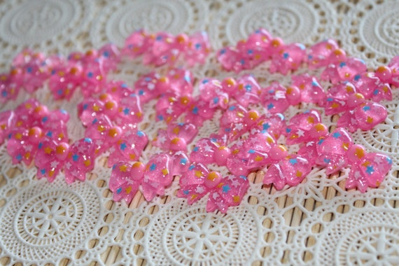 6 Pieces. Resin Flatback Cabochons 22mm Pink Bows with Stars