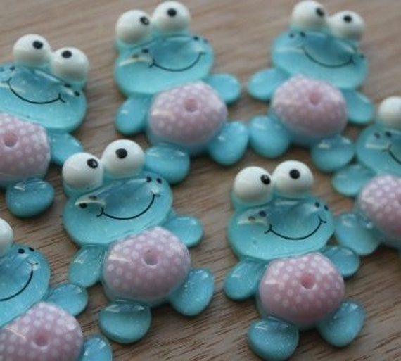 2 Pieces.Resin Flatback Cabochons 28mm Blue and Pink Cute Frogs. Craft Supplies. DIY Supplies