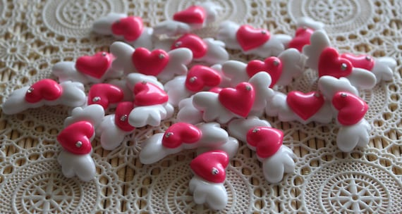6 Pieces. Resin Flatback Cabochons 31mm Pink and White Flying Hearts with Rhinestone