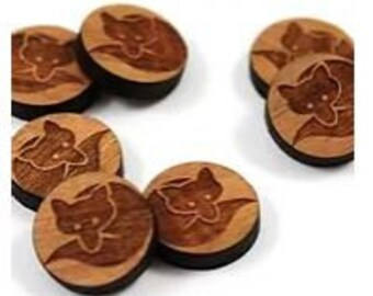 Laser Cut Jewelry Supplies.8 Pieces. Curled Fox Charms