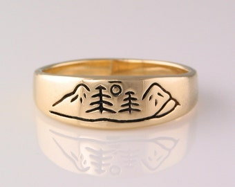 Mountain River Ring in 14k Yellow Gold