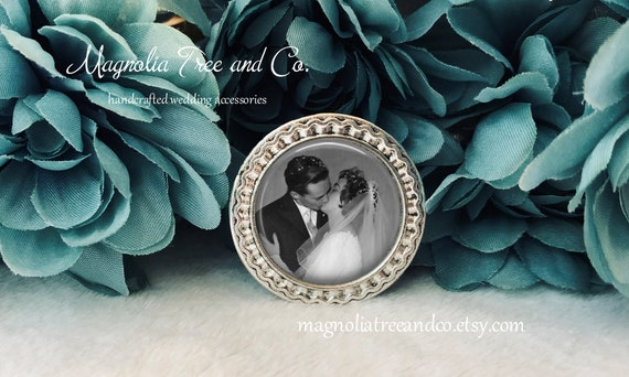 Bridal Bouquet Charm Photo Memorial Pin Round Antique Silver Brooch Custom Photo Memorial Charm Groom Boutonniere Lapel Pin