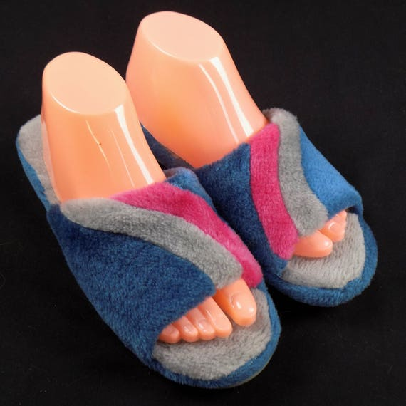 311bf63d8f40d Vintage Ladies Debs Blue Swirl Slippers Size 10