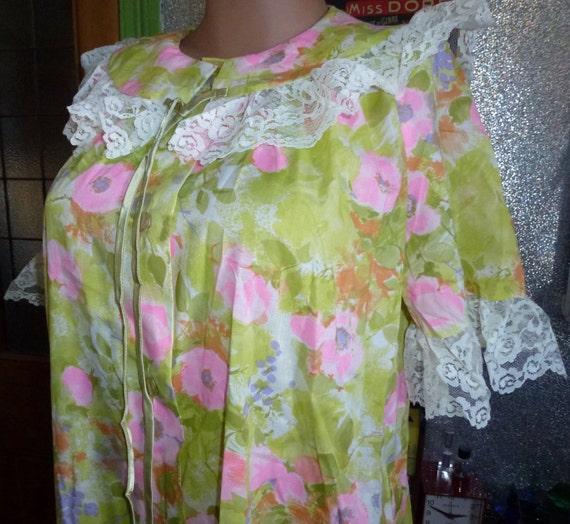 Vintage  60's 70's floral  house dress housecoat b