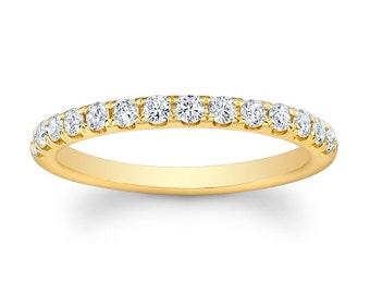 2f2c079db049c4 Ladies 18kt yellow gold shared-prong diamond wedding band 0.33 carats total  G-VS2