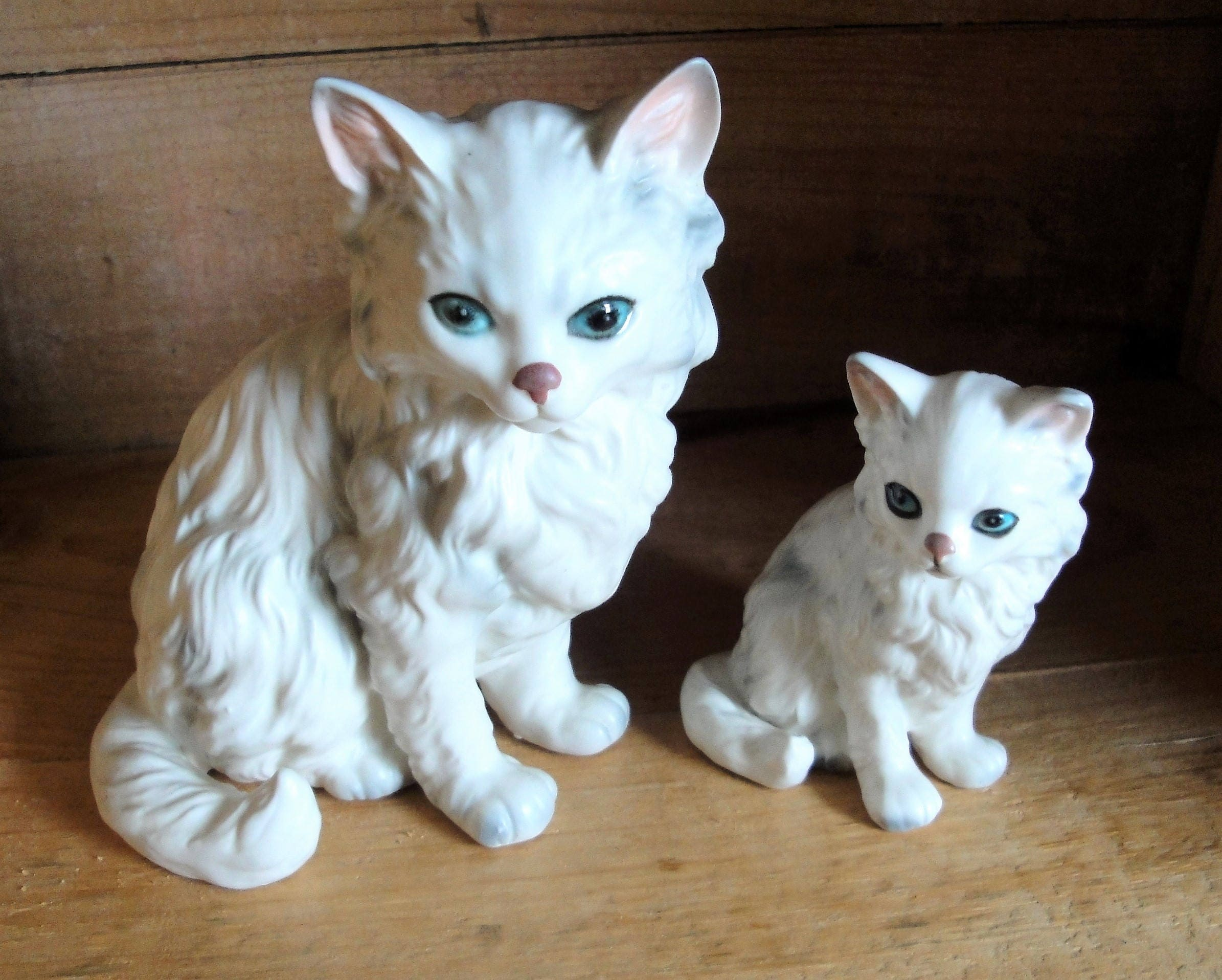 c96d05cb5dce4 Vintage Lefton White Persian Cat and Kitten Figurines