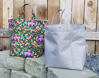 Bugs Quilted Snap Bag SB618