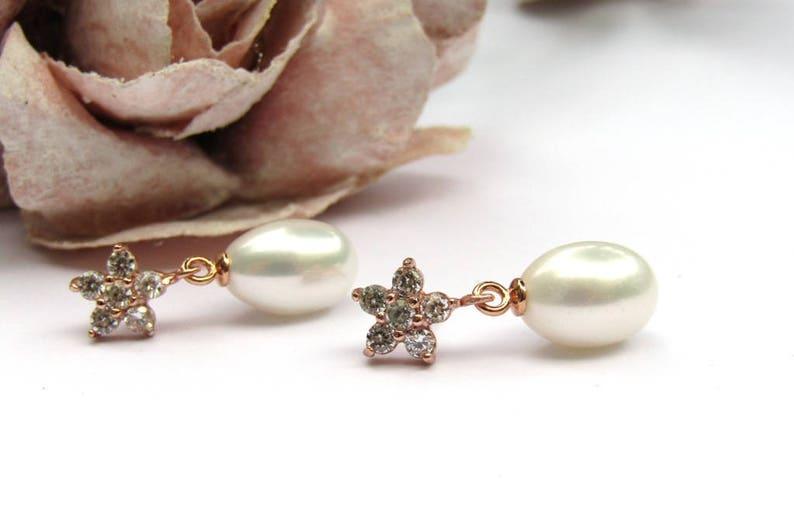 Bridal Jewellery Small Teardrop Pearl Earrings Rose Gold Stud earrings Wedding Jewellery Freshwater Pearl Bridal Earrings