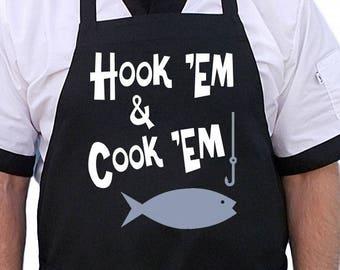 Unique Fishing Gift Hook /'Em /& Cook /'Em Funny Black Aprons Gifts For Fisherman