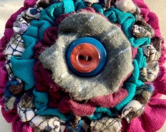 Flower brooch, flower corsage, flower pin, rag rug brooch, fabric flower brooch, textile brooch.