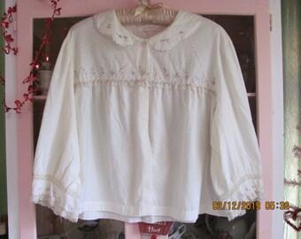 d5c15e74f1 Vintage Barbizon Donnie Dee Feathaire Soft Flannel Bed Jacket Embroidery  Lace Large Miss