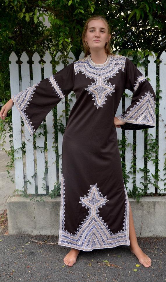 70/'s Kaftan  Psychedelic Kaftan  Moroccan style kaftan  bohemian  hostess maxi dress by Henry Lee size mediumlarge