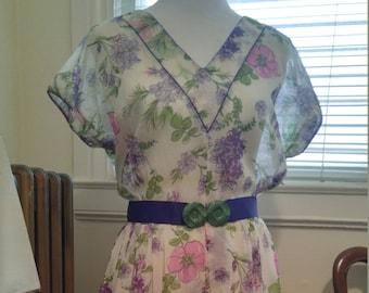 SALE - Vintage 1950s L'Aiglon floral spring dress, M to L