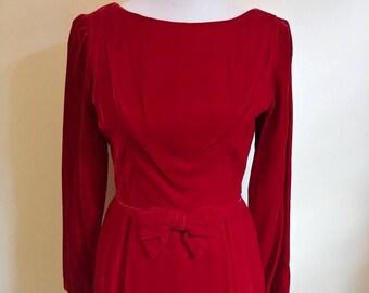 Vintage 1950s 1960s ruby red velvet dress a313568b8