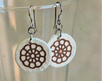 Small White Round Hanji Paper Earrings Dangle Flower Wheel Design Hypoallergenic hooks Lightweight Earrings White Brown Small Earrings