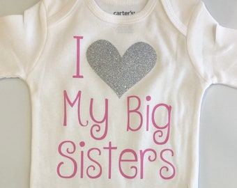 ba450da46766 Baby Girl outfit -little sister outfit - Litter sister bodysuit - newborn  girl coming home outfit - I love my big sisters -CUSTOM