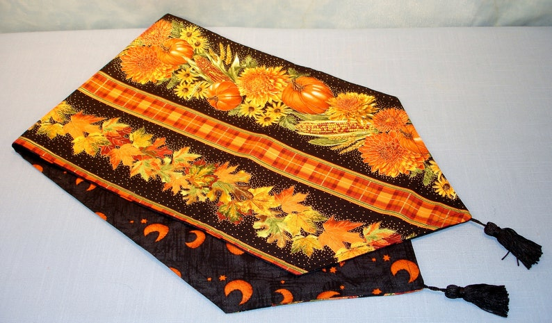 Reversible Fall/Harvest Pumpkins Indian Corn and Moons Table image 0