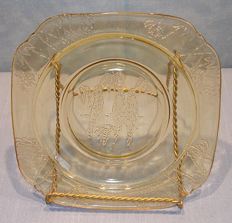 Parrot Sylvan Amber Depression Glass Plate 6 in. image 0