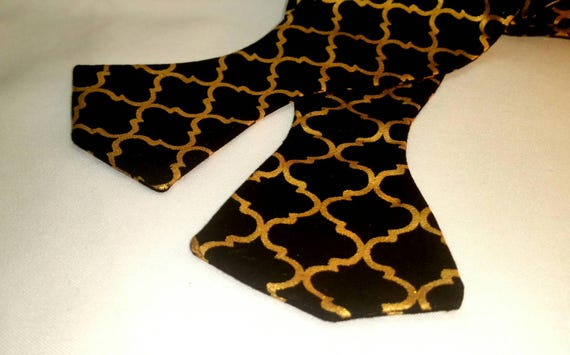 Black and Gold Print Bow Tie