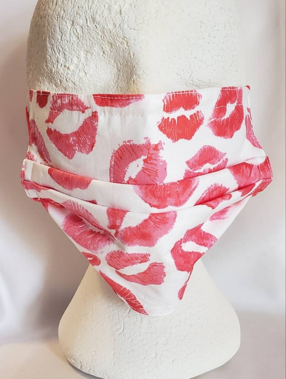Kisses Print Face Mask, 100% cotton fabric, plastic nose guard, 8 or 7 inch finish.
