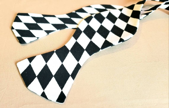 Black And White Diamond Print Bow Tie with coordinating pocket square, Self Tie or Prie-Tied, 100% cotton fabric