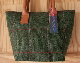 Ladies small green tweed tote bag handbag with floral lining