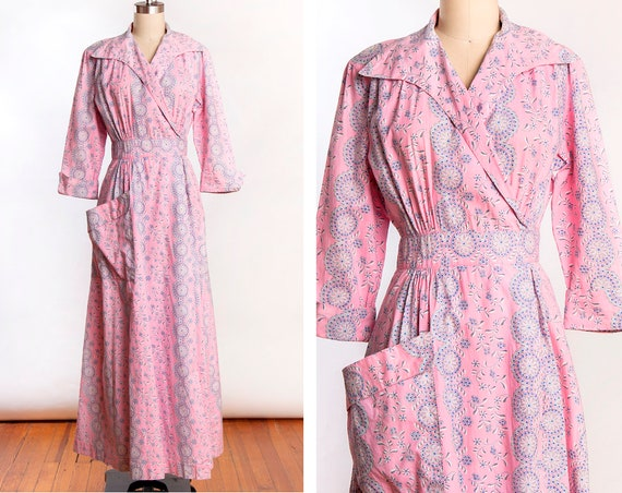 Soft Pink 1940s Cotton Blue Floral Dressing Gown /