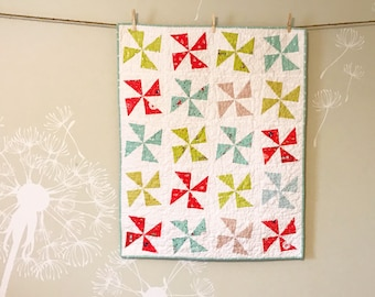 Scout Patches crib quilt in Parson Gray