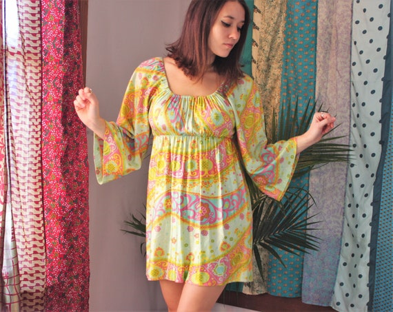Vintage Psychedelic 60s 70s Mini Dress