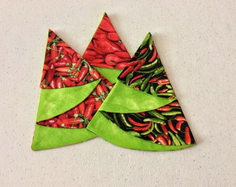 Hot Pepper Reversible Place Mats,  Folded Hot Pepper Trees, Small reversible placemats, Coffee or Wine Coasters, Red Hot Peppers Table Decor