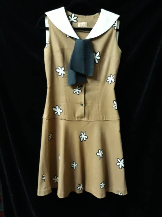 Vintage 1960's, Sailor Collar,Flower Print, Drop … - image 2