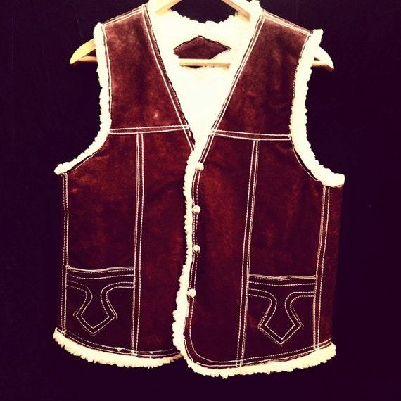 Vintage 1970's suede shearling lined vest - image 2